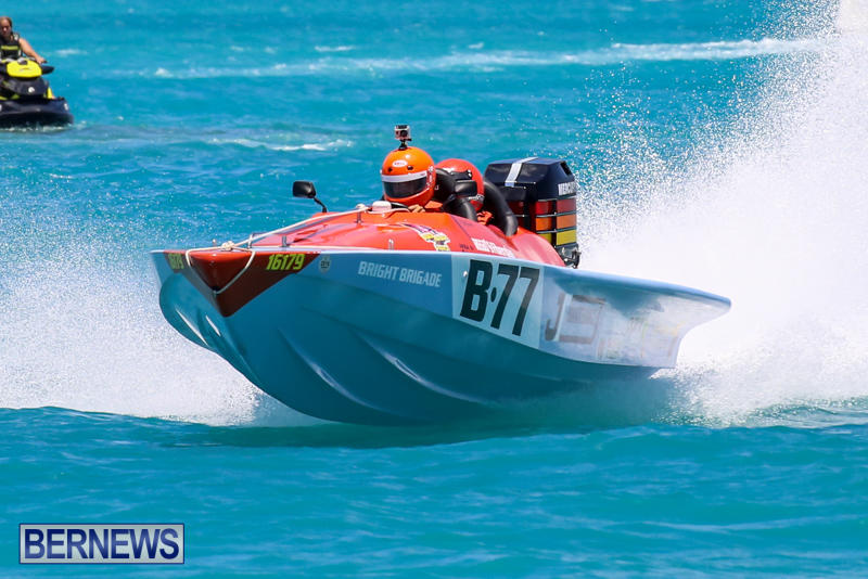 Powerboat-Racing-Bermuda-June-28-2015-35