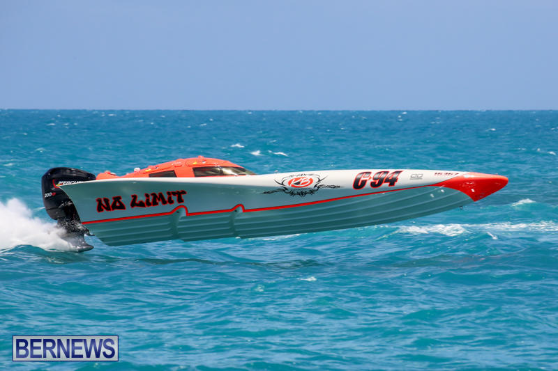 Powerboat-Racing-Bermuda-June-28-2015-46