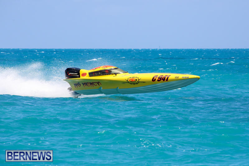 Powerboat-Racing-Bermuda-June-28-2015-48