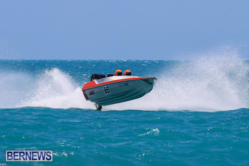 Powerboat-Racing-Bermuda-June-28-2015-52