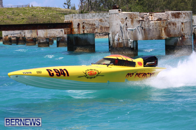 Powerboat-Racing-Bermuda-June-28-2015-59