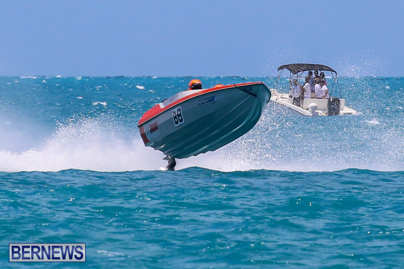Powerboat-Racing-Bermuda-June-28-2015-6