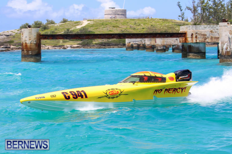 Powerboat-Racing-Bermuda-June-28-2015-85