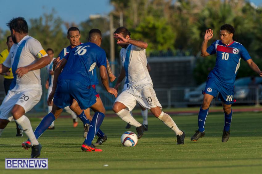 jm-bermuda-guatamala-football-21