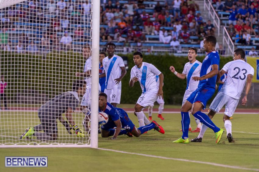 jm-bermuda-guatamala-football-38
