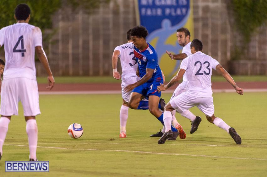jm-bermuda-guatamala-football-50