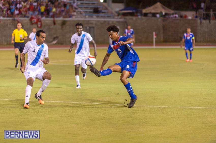 jm-bermuda-guatamala-football-51