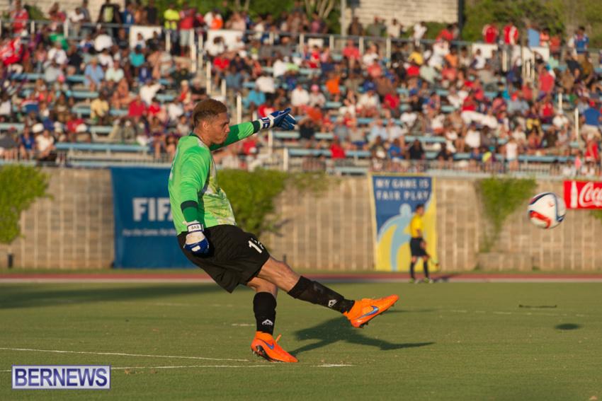 jm-bermuda-guatamala-football-70