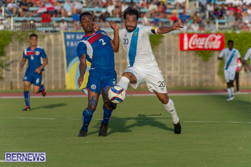 jm-bermuda-guatamala-football-9