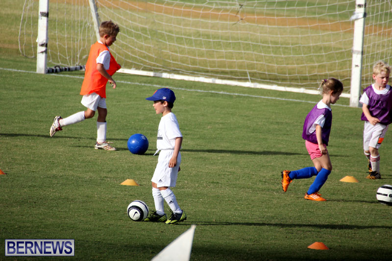 140-Youth-Footballers-Attend-Soccer-Clinic-July-9-2015-10