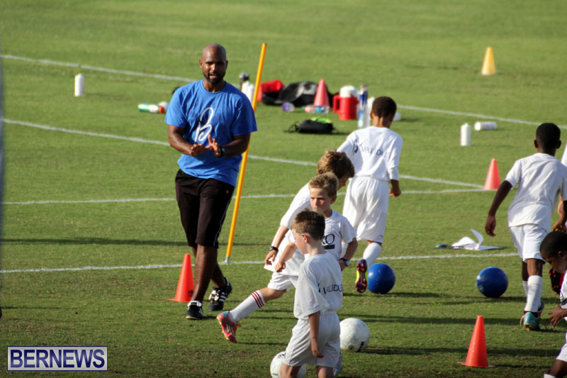 140-Youth-Footballers-Attend-Soccer-Clinic-July-9-2015-14