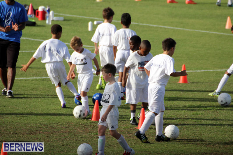 140-Youth-Footballers-Attend-Soccer-Clinic-July-9-2015-15