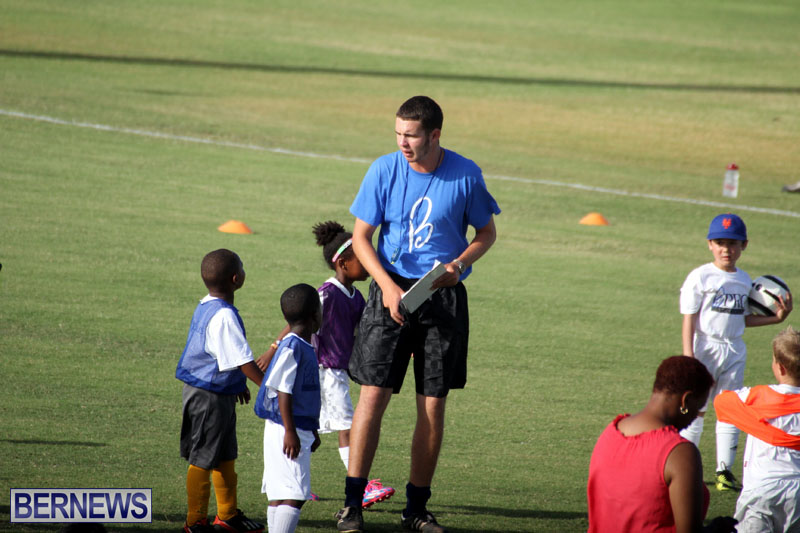 140-Youth-Footballers-Attend-Soccer-Clinic-July-9-2015-8
