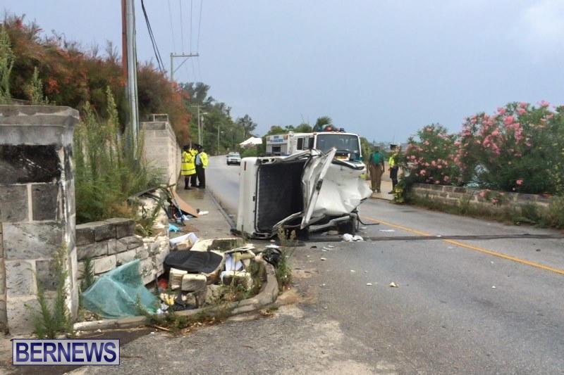 Overturned Car Accident Bermuda, July 12 2015 (4)