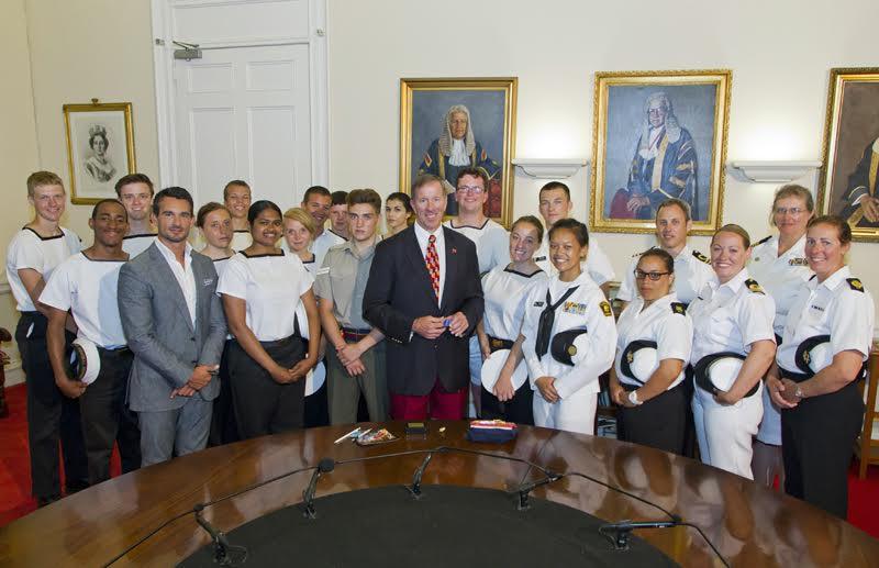 Premier Dunkley welcomed Bermuda's Sea Cadets (2)