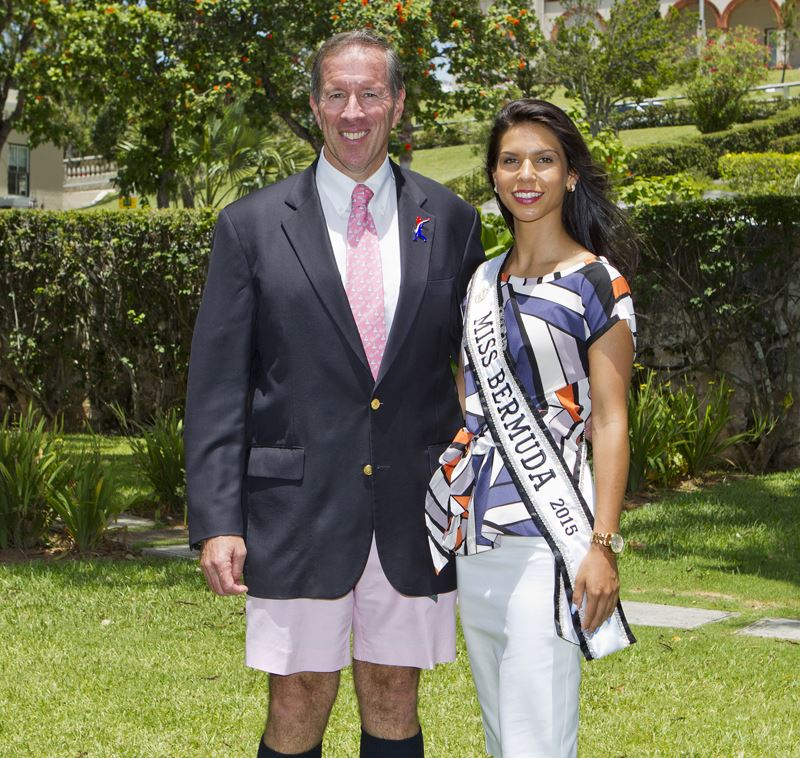Premier welcomes Miss Bermuda and contestants (1)