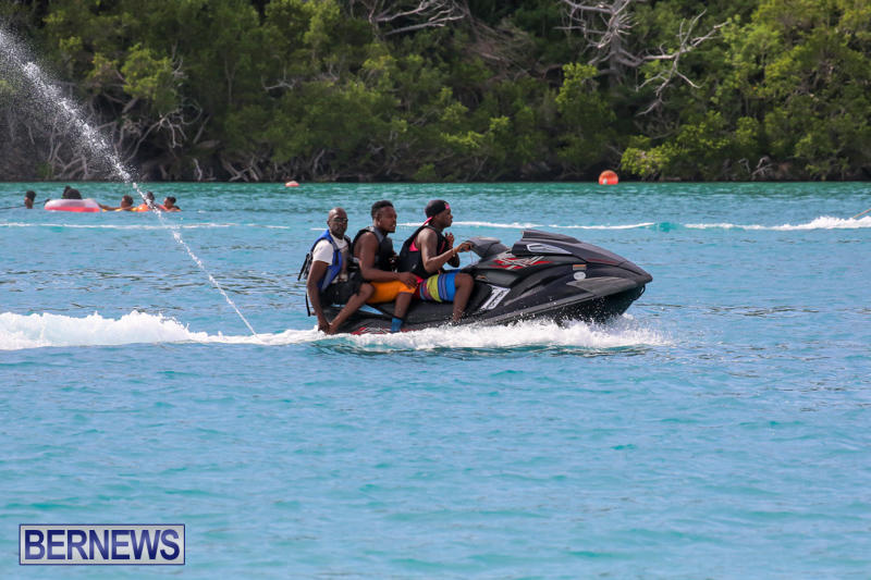 Around-The-Island-Powerboat-Race-Bermuda-August-9-2015-145