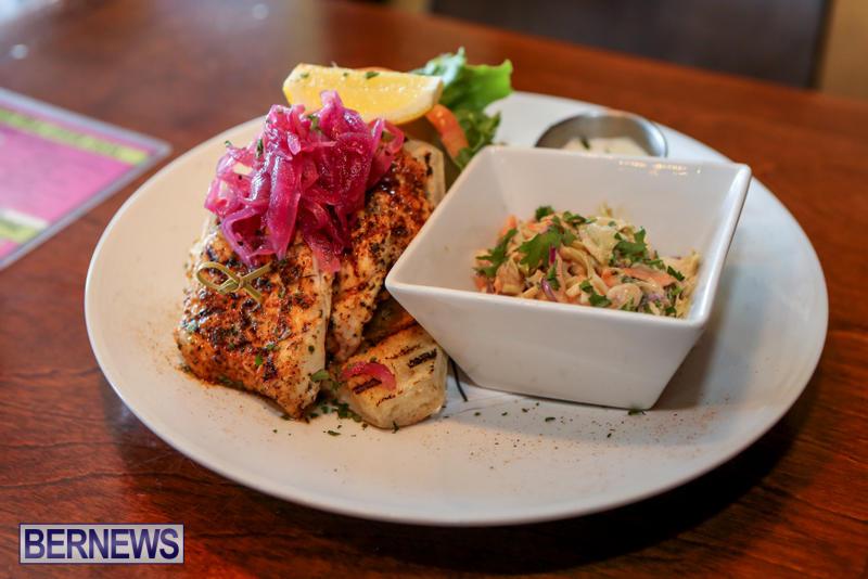 Best-Fish-Sandwich-Pickled-Onion-Bermuda-August-2015-3