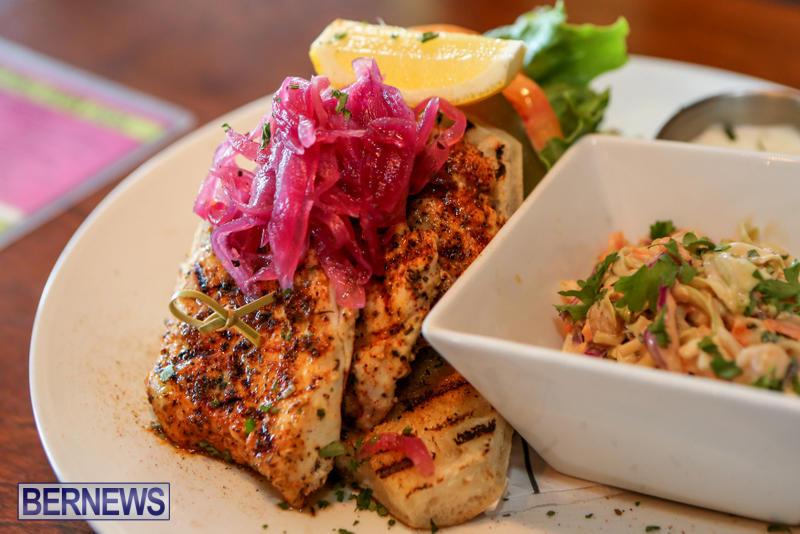 Best-Fish-Sandwich-Pickled-Onion-Bermuda-August-2015-4