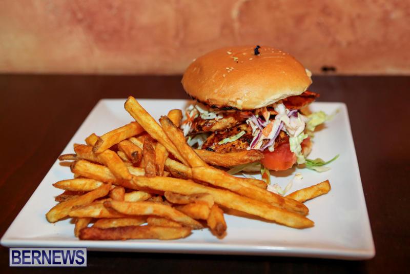 Best-Fish-Sandwich-Swizzle-Inn-Pub-Restaurant-Baileys-Bay-Bermuda-August-2015-3