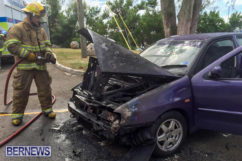 Car Fire Paget Bermuda, August 11 2015-3