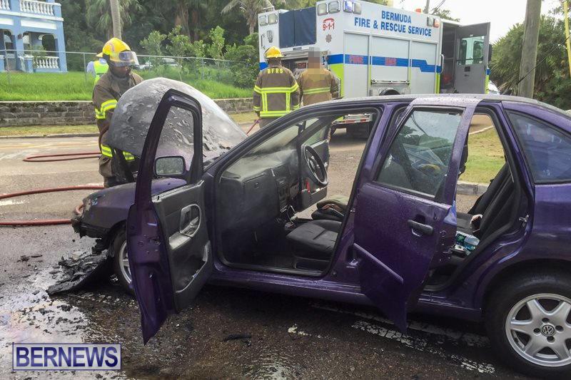 Car Fire Paget Bermuda, August 11 2015-4