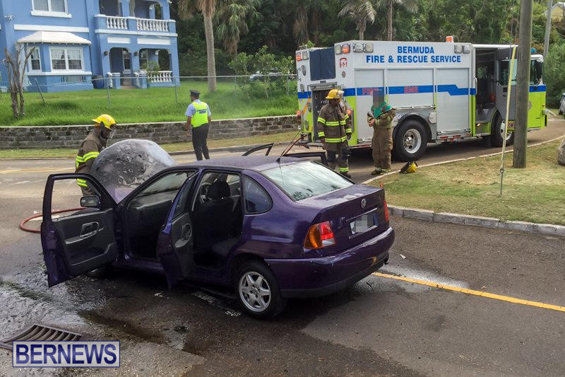 Car Fire Paget Bermuda, August 11 2015-5