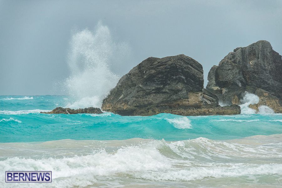 559 Crashing Waves Bermuda generic September 2015