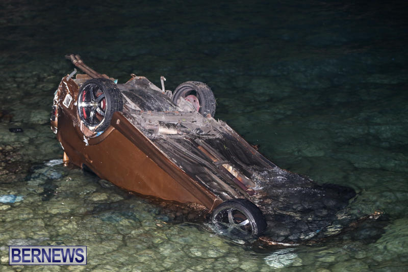 Car Overturned Overboard Bermuda, September 7 2015-3