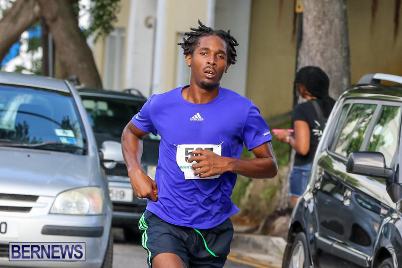 Chayce-Smith-Labour-Day-5-Mile-Race-Bermuda-September-7-2015-2