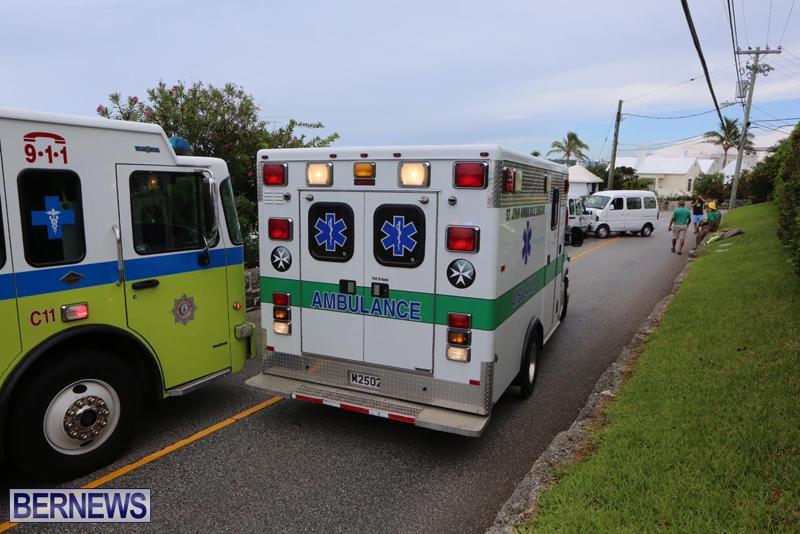 Collision Accident Harbour Road Bermuda September 11 2015 (1)