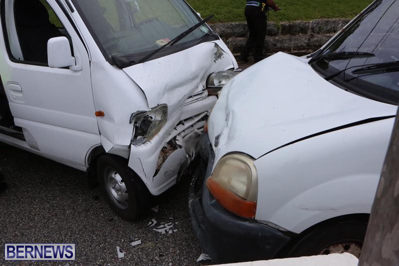 Collision Accident Harbour Road Bermuda September 11 2015 (2)