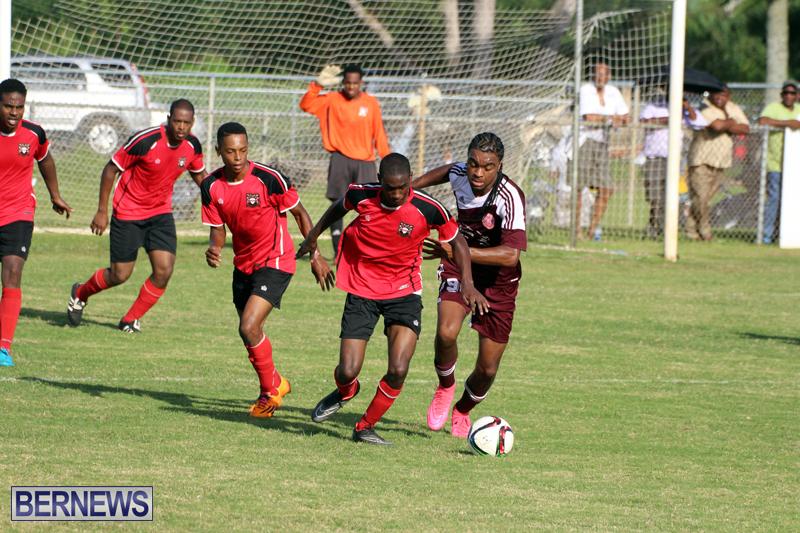 Dudley-Eve-football-Bermuda-September-2015-13