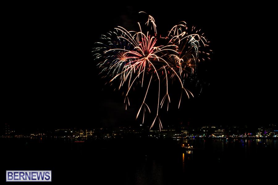 2015-Americas-Cup-fireworks-bermuda-1