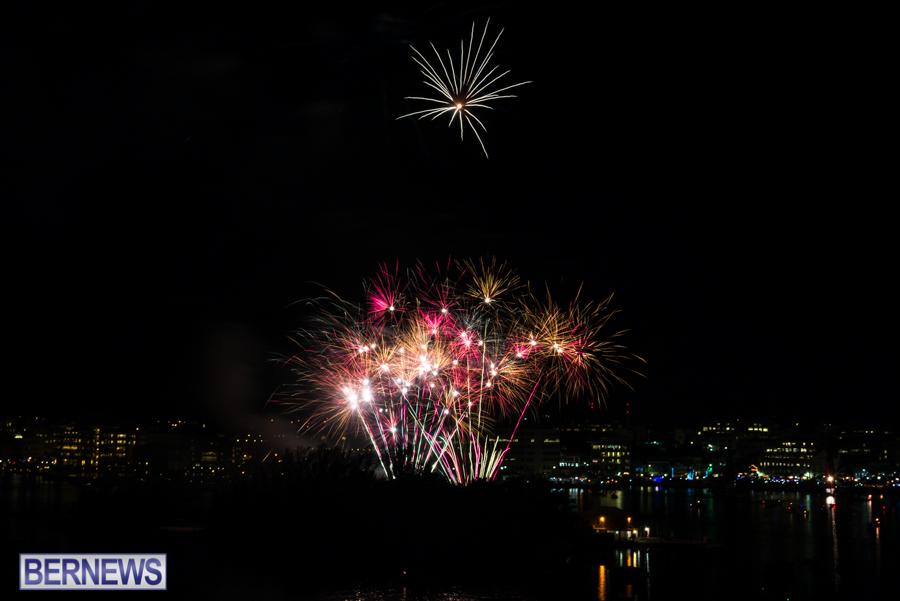 2015-Americas-Cup-fireworks-bermuda-13