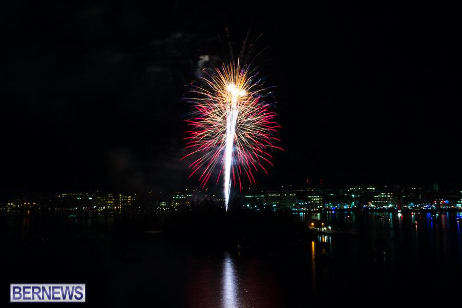 2015-Americas-Cup-fireworks-bermuda-14