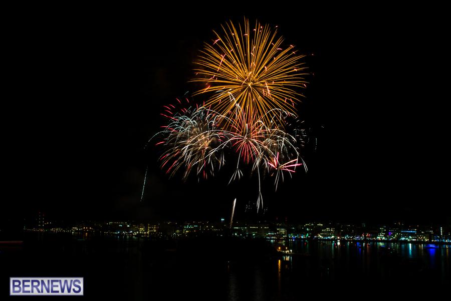 2015-Americas-Cup-fireworks-bermuda-4