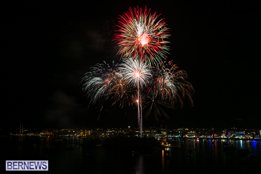2015-Americas-Cup-fireworks-bermuda-6
