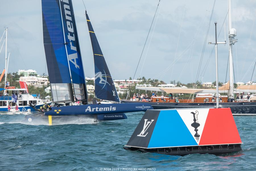 Bermuda-Americas-Cup-World-Series-racing-day-2-2015-20-001