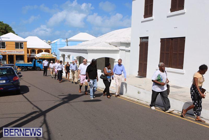 Bermuda-Hamilton-walk-Oct-1-2015-11