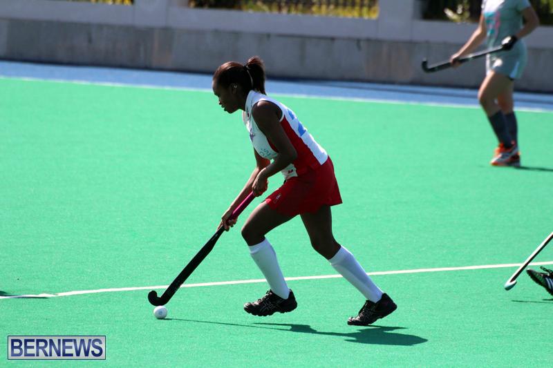 Budgies-and-Swallows-Field-Hockey-Bermuda-October-2015-1
