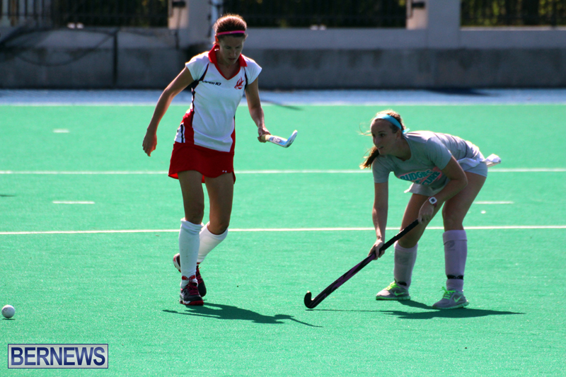 Budgies-and-Swallows-Field-Hockey-Bermuda-October-2015-6