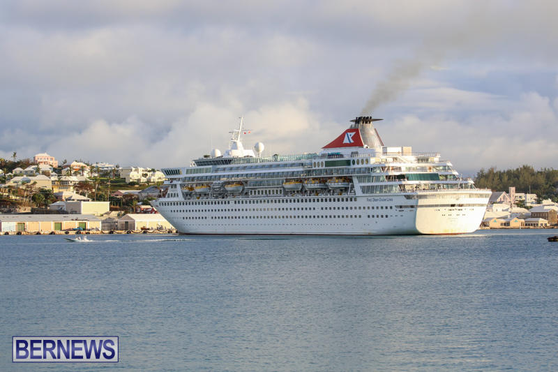 Cruise-Ship-Balmoral-In-St-Georges-Bermuda-October-9-2015-15