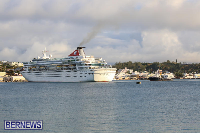 Cruise-Ship-Balmoral-In-St-Georges-Bermuda-October-9-2015-17