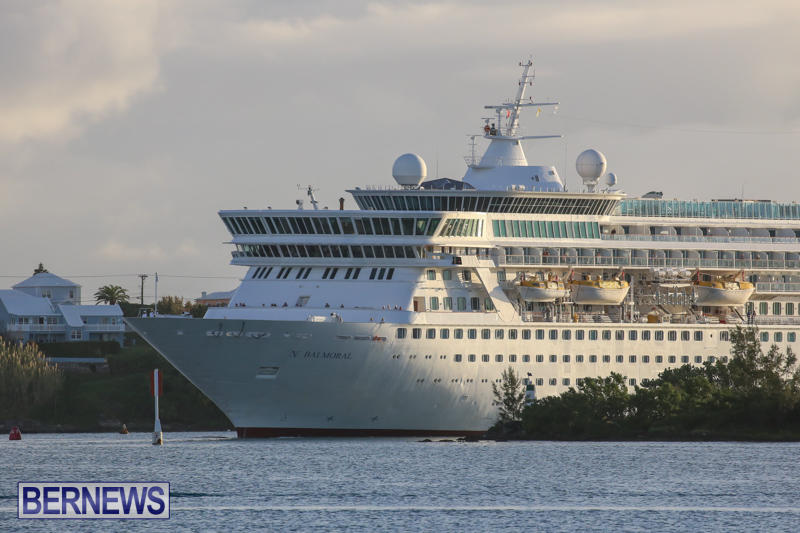 Cruise-Ship-Balmoral-In-St-Georges-Bermuda-October-9-2015-3