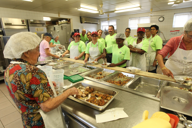 Employees-help-to-prepare-food-at-Meals-on-Wheels