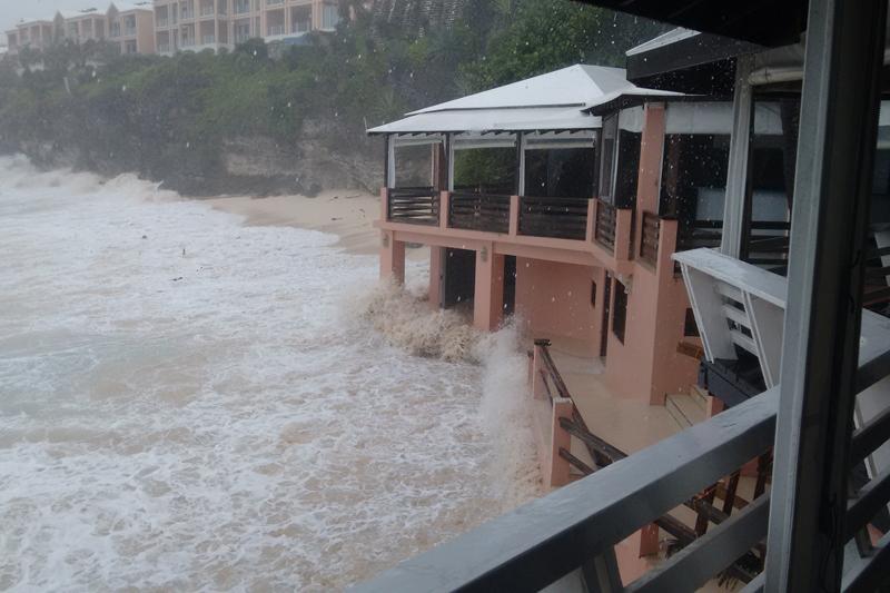 Hurricane-Joaquin-Bermuda-October-5-2015-2-3