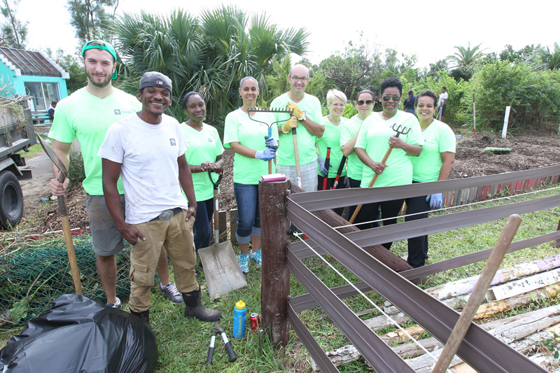 Working-in-the-community-gardens-at-Windreach