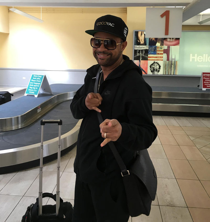 shaggy_at_bermuda_airport1