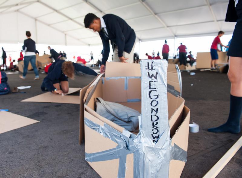 Bermuda-Cardboard-Boat-contest-Nov-15-3